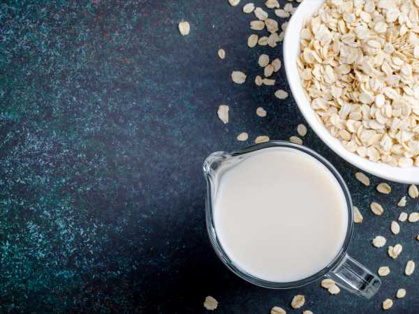 A Quick and Easy Guide to Making Oat Milk at Home