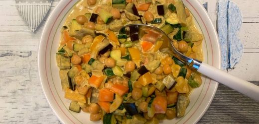 Vegan Coconut Curry Chickpeas & veggies