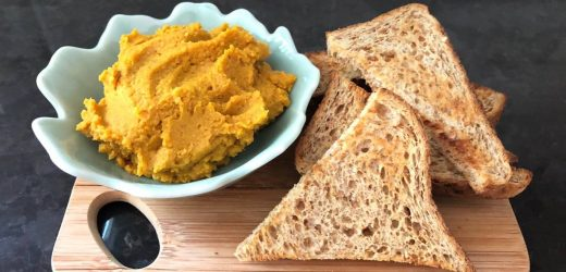 Nia's homemade spicy curry chickpeas hummus
