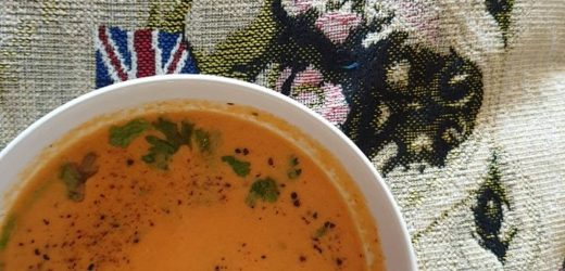 Spicy cream of tomato soup