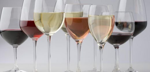 Red Wine Glass vs. White Wine Glass: What's the Difference?