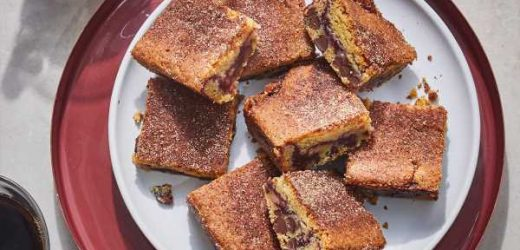 Chocolate Chip-Snickerdoodle Jam Bars
