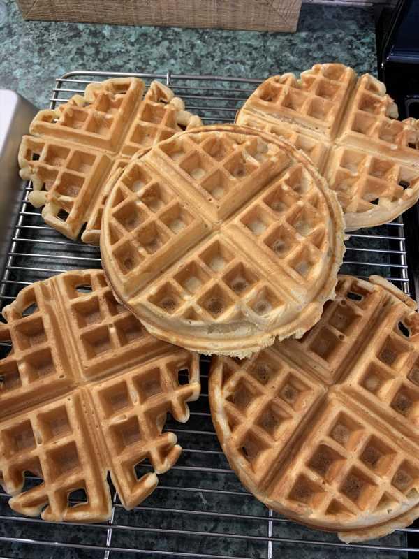 Basic Classic Waffles