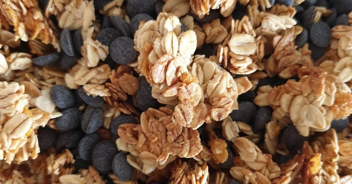 Choco chip Granola Clusters