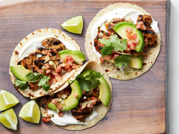 Healthy Grilled Chipotle Pork Tacos