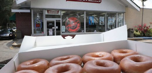 You Can Get A Dozen Donuts For Only $1 At Krispy Kreme On Saturday