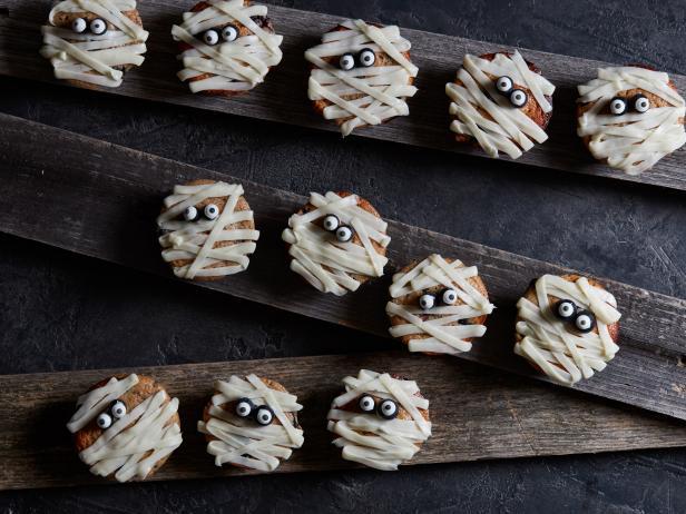 Halloween Blueberry Mummy Muffins