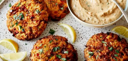 Air Fryer Crab Cakes with Chipotle Sauce