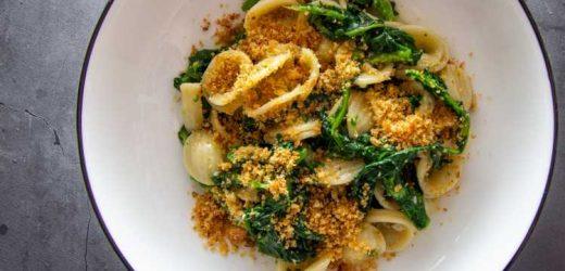 Orecchiette con le Cime di Rapa (Apulian Orecchiette With Broccoli Rabe) Recipe