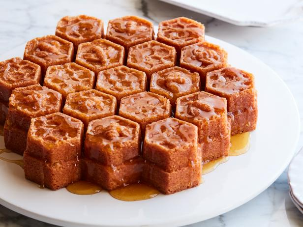 13 Delicious Ways to Bake with Honey