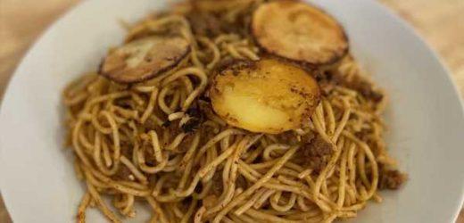 Persian Macaroni – Spaghetti With Spiced Beef Sauce